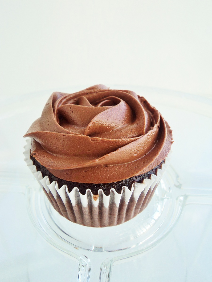Devils Food Cupcakes with Fudge Frosting - chocolate + connie