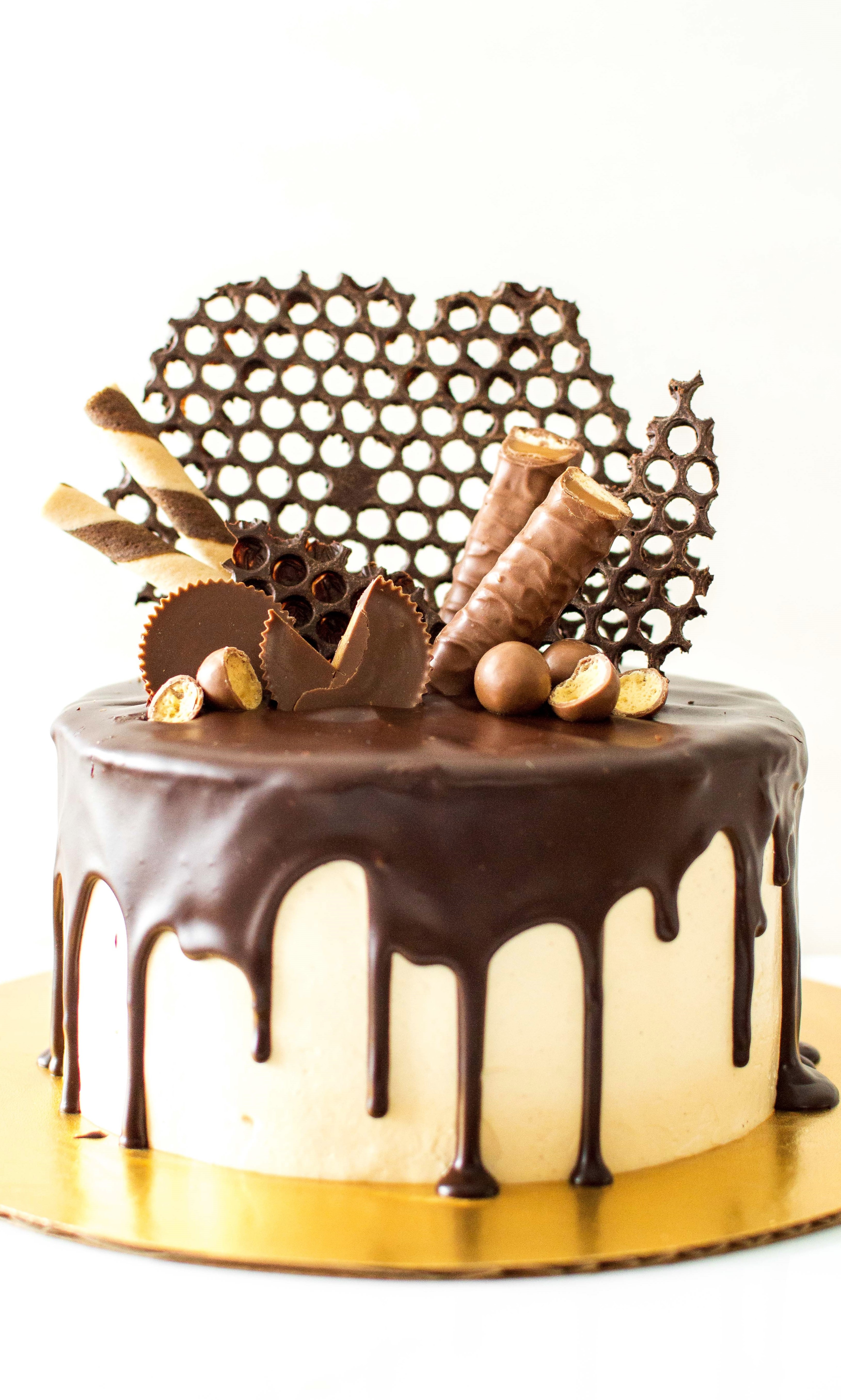 Pleasing Reese Peanut Butter Chocolate Spread Cake Chocolate Connie Funny Birthday Cards Online Fluifree Goldxyz